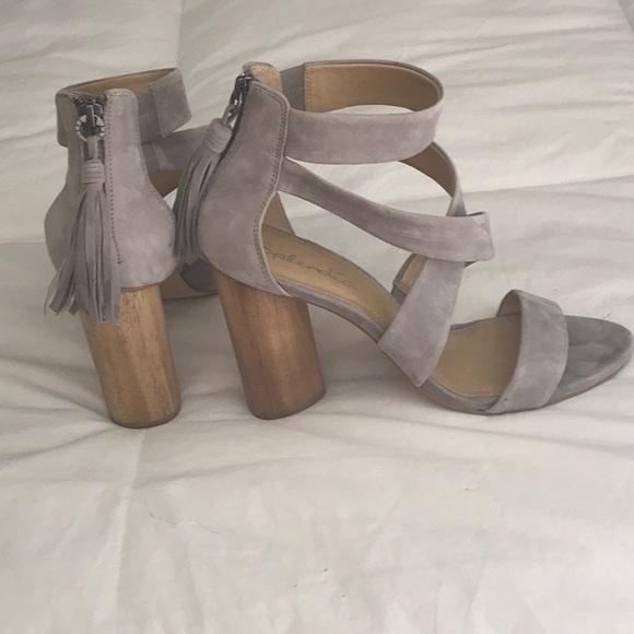Splendid wicked Dove Grey Suede Heels size 9